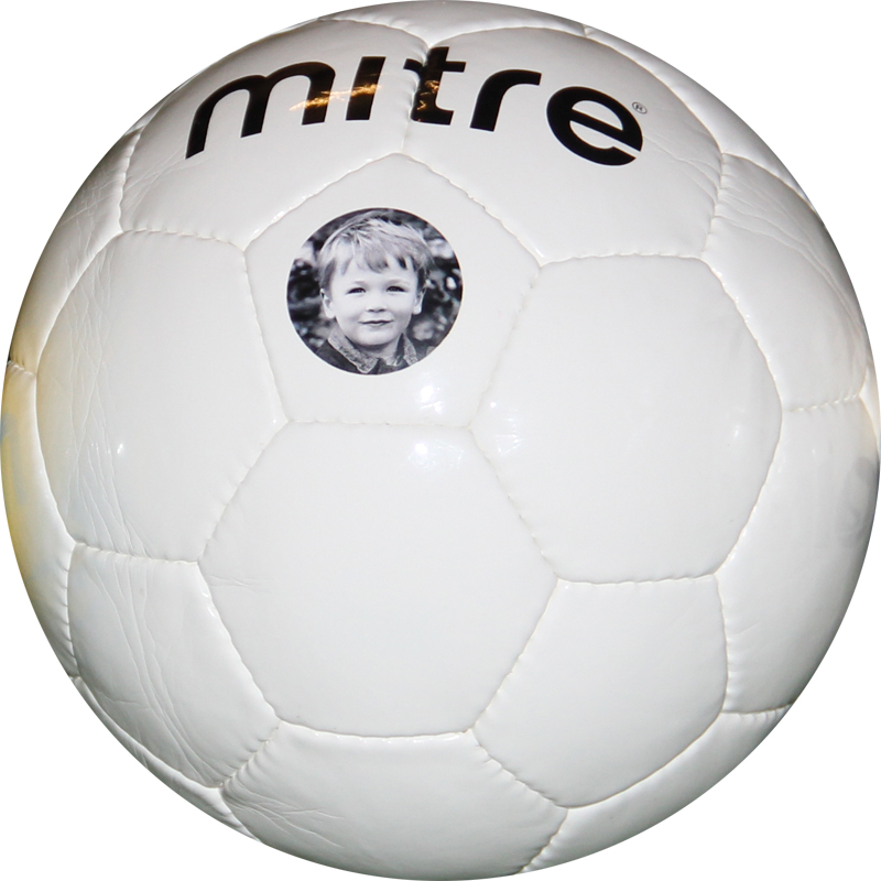 https://www.best4sportsballs.com/pub/media/catalog/product/m/i/mitre-retro-pers600.jpg